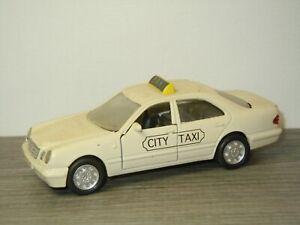Mercedes E320 Saloon Taxi - Welly *50659