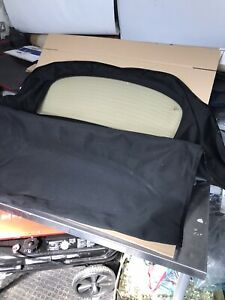 AUDI TT CONVERTIBLE HOOD WITH REAR HEATED GLASS WINDOW IN BLACK MOHAIR 2006 on