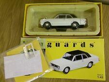 Corgi VA04100 Ford Cortina Mk. II GT armiño blanco/negro