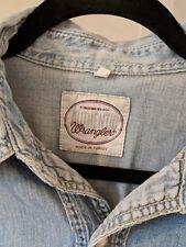 Vintage 1980's Mens WRANGLER 100% Cotton Blue Denim Pearl Snap Shirt (S)