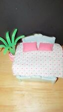 Playskool Victorian dollhouse blue parent's bed bedspread blanket pillows plant
