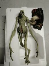 SIDESHOW ALIEN RESURRECTION Alien Newborn Statue