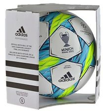 Fussball Adidas Final Munich 2012 OMB [Matchball Champions League] Spielball