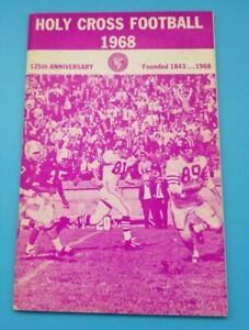 HOLY CROSS CRUSADERS - COLLEGE FOOTBALL MEDIA GUIDE - 1968 - NEAR MINT