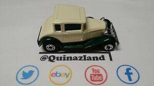 Matchbox Ford Model A Cream avec roue de secours (CL04)