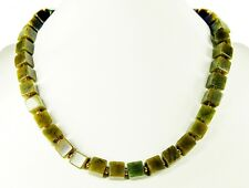 Gorgeous Necklace in Nephrite Jade in cube shape