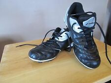 Boys/Youth Black & Silver Lotto Soccer/Football Cleats~Size 5~Great Shape!