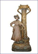 Figürliche Keramiken mit Frauen-Motiv im Jugendstil (1890-1919)
