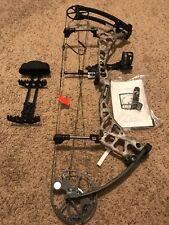 Bear Archery Tremor Compound Bow Left Hand 70 lbs Realtree Xtra Camo