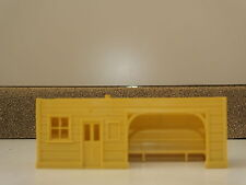 S9789CR  HORNBY TRIANG PLAFORM SHELTER BODY CREAM          N13A
