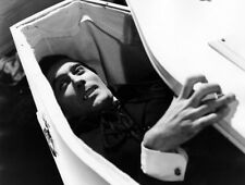 Christopher Lee UNSIGNED photograph - L2793 - Horror of Dracula - NEW IMAGE!!!!