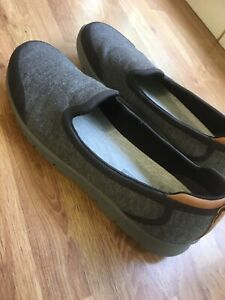 Clarks Cloudsteppers , Cushion Soft, Size 6, Womens, Grey