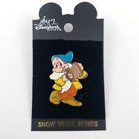 DISNEYLAND Snow White Series Dwarf Bashful Memorable Pin