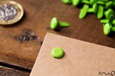 100 x Pasadores de Split Sujetador Libro Verde Brillante vinculante Oficina Artesanía 13 mm de largo de IVA