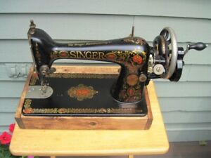 SINGER Model 66 Hand Crank Sewing Machine Moves Smooth