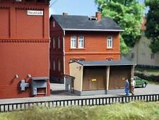 Auhagen TT 13338: STAZIONE TRASFORMAZIONE CON ACCESSORI