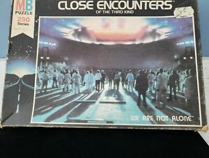 VTG- CLOSE ENCOUNTERS OF THE THIRD 3rd KIND Puzzle Milton Bradley 1977 COMPLETE!