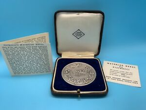 A SOLID SILVER WATERLOO MEDAL BY PISTRUCCI N.62/5.000 HALLMARKED LONDON 1966 BY