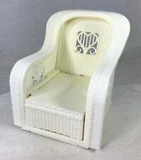 Barbie Doll Chair White Plastic Wicker Extending Lounge Dream House 1983 Mattel