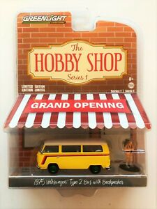 CHASE GREENLIGHT HOBBY SHOP 1975 VOLKSWAGEN TYPE 2 BUS w BACKPACKER 1/64 97010 C