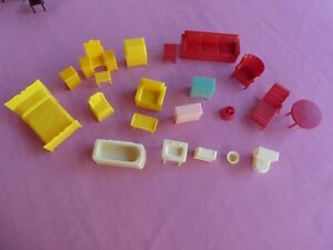 Vintage plastic dollhouse furniture many groups bath,bed,kitchen dining lot