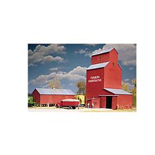 3036 Walthers Cornerstone Farmers Cooperative Rural Grain Elevator HO Scale