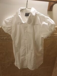 NWOT Izod Approved Schoolwear Uniform White SS Button Down Shirt Girls Large 10