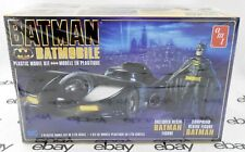 1:25 Scale 1989 Batman Batmobile Plastic Model Kit w/Resin Figure - Amt 1107M/12