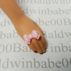 JEWELRY ~ (P12) MATTEL BARBIE DOLL PEARL PINK BOW PLASTIC RING ACCESSORY