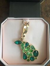 BRAND NEW!  JUICY COUTURE GREEN GEM PEAR JEWEL BRACELET CHARM IN TAGGED BOX