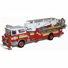 CORGI US53807 1/50 Heroes Under Fire - Mack CF Tower Ladder Mahanoy City PA