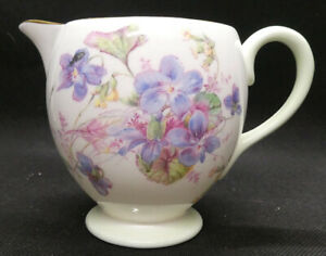 Royal Doulton Creamer/Milk Jug in Viola H4877 pattern