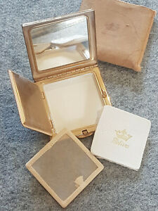 Vintage Melissa Ladies Powder Compact Raised Lucite? top Carrying pouch