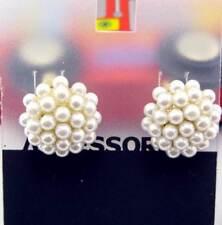 Pendientes magníficos de perlas en racimo de perlas doradas