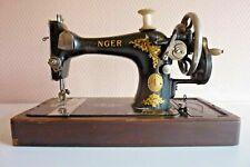 Singer Machine à coudre portable à manivelle Fabrication Anglaise Réf 255.