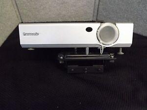 Panasonic PT-LC76U LCD Projector