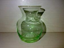 Hübsche Kleine Grüne Vase Small Green Glass Vase Glasvase H: 7,8 cm * LOOK * -->