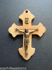 SUPERBE CROIX EN BOIS - CHRIST EN LAITON. BELLES DIMENSIONS.