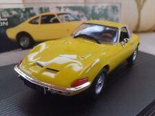 Voitures, camions et fourgons miniatures jaunes IXO