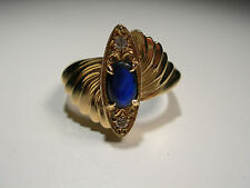 18ct Gold Ring with Lightening Ridge Opal and 2 Diamonds (Lot 2240)