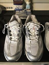 MEN'S NEW BALANCE 1200 WALKING SHOES, Size 11 2E Retail 130.00