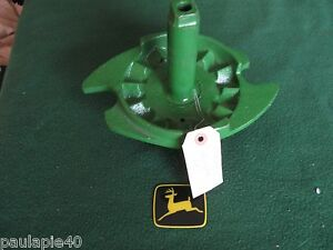 NEW OEM JOHN DEERE GRAIN DRILL LH POWER LIFT DRIVE PLATE H529M  B,PD,RB