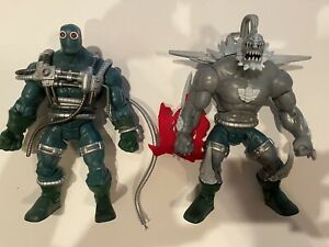 Set Signature Collection Doomsday Unleashed and Containment Suit DCUC Classics