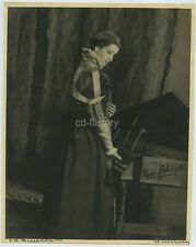 Signed Photo Of Actress Peggy Ashcroft By J W Debenham c1930s
