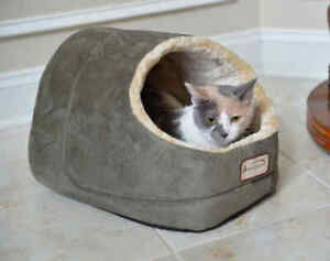 Armarkat Hooded Cave Cat Kitten Pet Bed Laurel Green & Beige