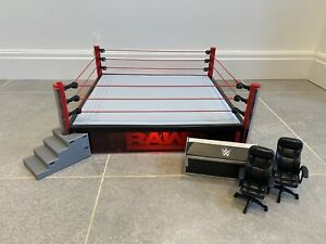 WWE Elite Raw Scale Wrestling Ring Light Up Steps Commentators Table Chair