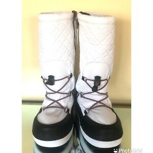 New Without Box Quilted Snow Boots White/Black Zip Women's Size 6