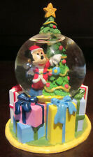 RARE Disney Store Santa Mickey Mouse Christmas Snowglobe Water Glass Dome Figure