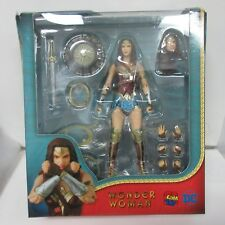 DC Wonder Woman Mafex #048 Action Figure Box Damage #5