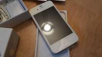 Apple iPhone 4s 64GB in Weiss simlockfrei & brandingfrei & iCloudfrei ***TOPP***